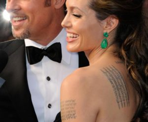 tatuaje-famosa-angelinajolie