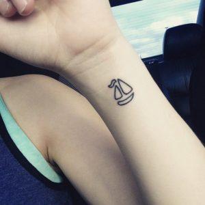 tatuaje-minimalista-mujer-3